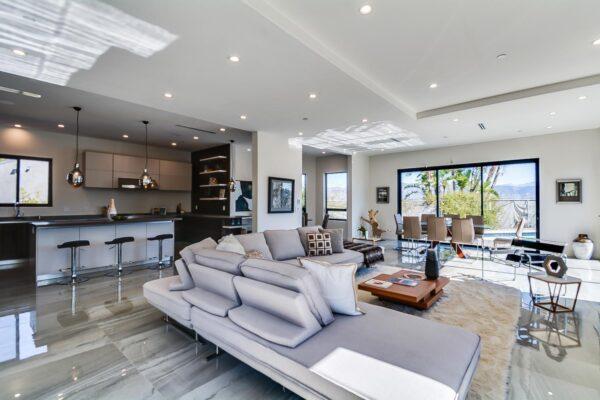 11000-Wrightwood-Pl-Studio-large-003-8-Living-Room-1500x1000-72dpi-min