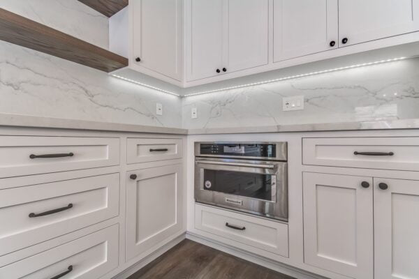 white-kitchen-cabinet-min